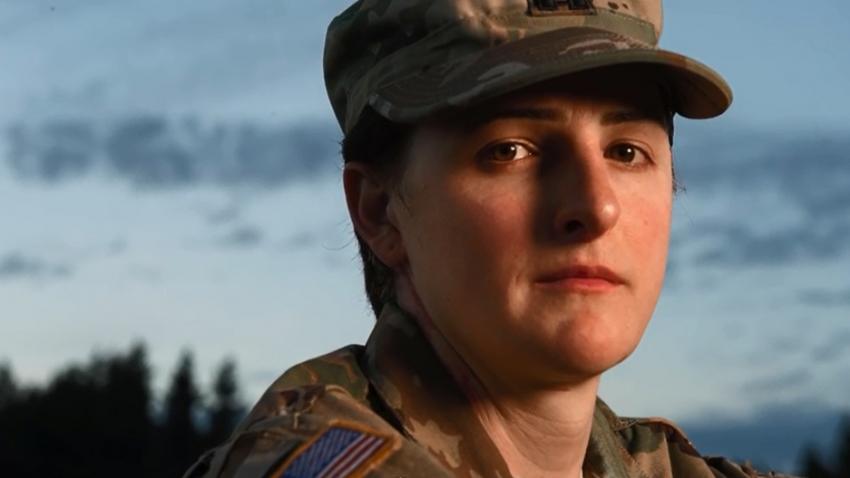 Армейский гей офицер